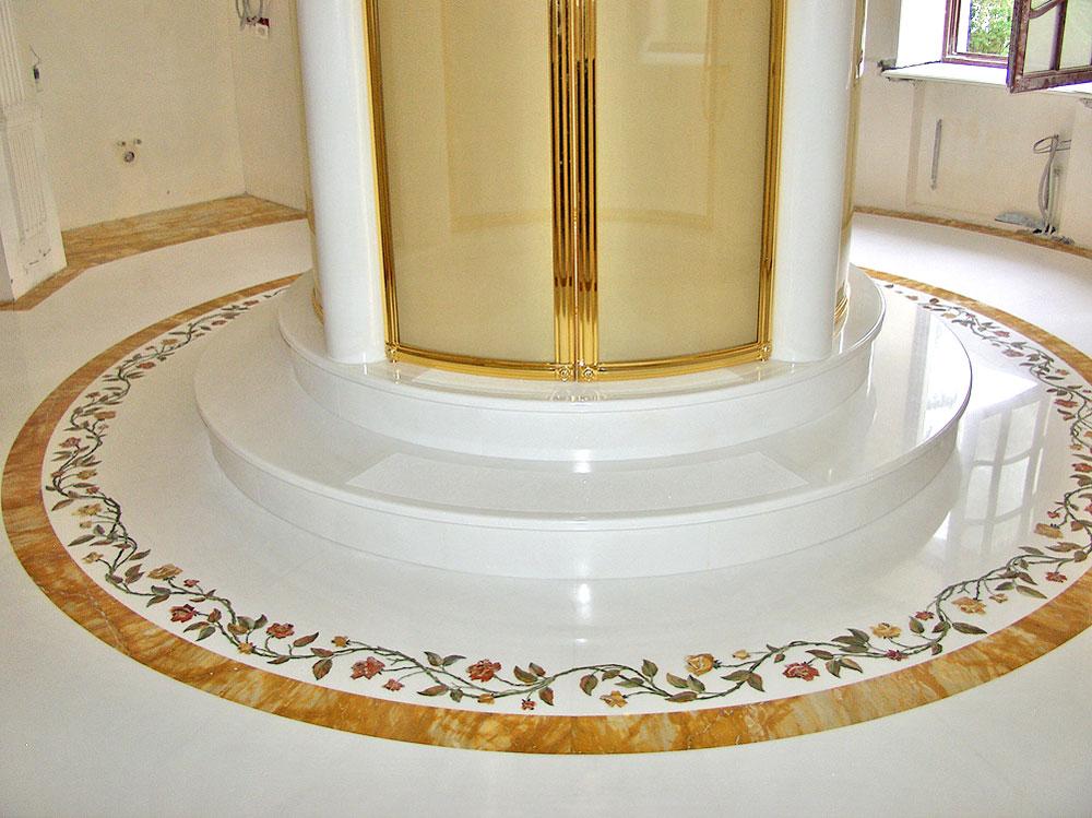 Bagni di lusso - Intarsio - Pavimento in marmo - Statua di leone ...